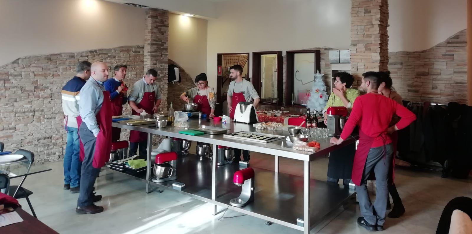 TEAM BUILDING Gastronómico en Sant Feliu de LLobregat TEAM BUILDING Gastronómico con la empresaBLOWAIR Algo Más Que Postres, especialistas en Team Building en Sant Feliu